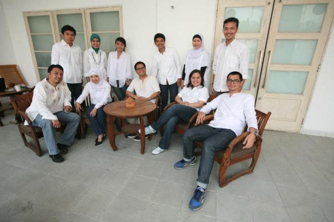 Orang Muda Bekerja untuk Belajar