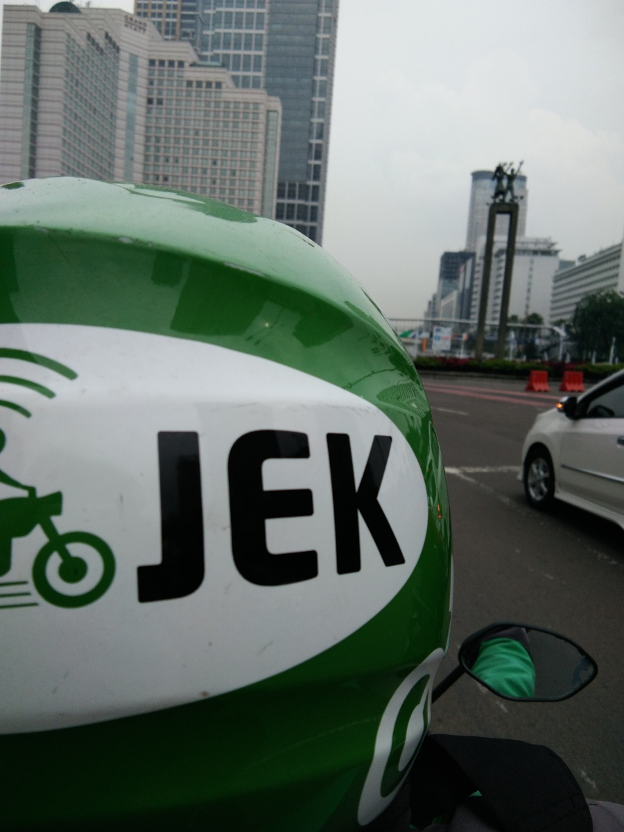 Cerita Bergojek 25 km di Jakarta yang Macet